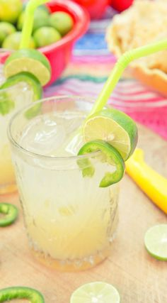 Limón Lime Jalapeño Cocktail // Make a simple syrup including sliced jalapeños, sugar, and water. Once cooled, remove jalapeños, add a dash to a glass of ice, and fill with 1-2 shots of Bacardí Limón, lime juice, lemonade, and ice. #cocktails #party #drinks #diy