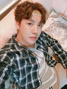 we're dedicated into making you fall in love with jung hoseok, the dancer and rapper of bts! Gwangju, Foto Bts, Bts Photo, Jung Hoseok, J Hope Selca, Bts J Hope, Taehyung, Namjoon, Rapper