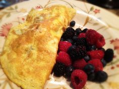 Salmon and Avocado Omelet With Berries: 5/25/13