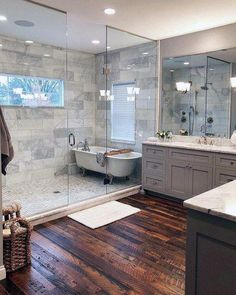 Delightful bathroom tub shower combo remodeling ideas 29 Finding the right Small Bathroom Remodel ideas is tricky since the bathroom remodel can be challenging. Bathroom Tub Shower, Tub Shower Combo, Bathroom Flooring, Bathroom Mirrors, Dyi Bathroom, Shower Door, Frameless Shower, Shiplap Bathroom, Bathroom Hardware