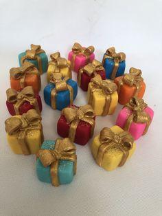 Fondant xmas cupcake toppers Xmas Gifts, Cupcake Toppers, Fondant, Cupcakes, Decor, Cupcake, Decoration, Christmas Presents, Fondant Icing