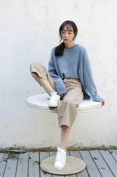 colour combi | blue + khaki