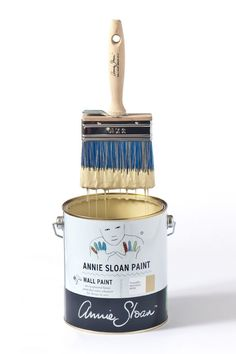<p>Annie Sloan's Wall Paint brushes offer a blend of synthetic and natural fibres, designed specifically for the smooth and easy application of paint. They feature a high bristle count, which means they load more paint onto the brush, allowing you to cover large areas well. The handles are ergonomically designed for an effortless application. Annie prefers using these brushes for painting walls as they do not take any longer to apply than rollers and give a beautiful, textured finish.</p…