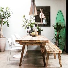 Every #Diningroom needs a #surfboard in my view #homegoals #iwantthis