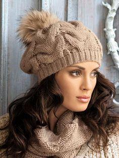 Модные шапки-2015  фото модных вязаных женских шапок для зимы 2015 года 0d319a1e57fef