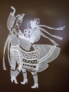 Krásu krajkářského umění představuje současná výstava Krása paličkované krajky v Městském muzeu ve Veselí nad Moravou. Potrvá až do čtyřiadvacátého února.