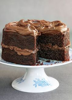 Try our easy chocolate fudge cake recipe. Our easy chocolate fudge cake recipe is a moist chocolate fudge cake recipe. Make this chocolate fudge cake recipe