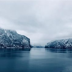 Winter magic in the Aurlandsfjord ❄️🙌 📸 Winter Magic, Closer To Nature, Norway, Tours, River, Activities, Adventure, Outdoor, Outdoors