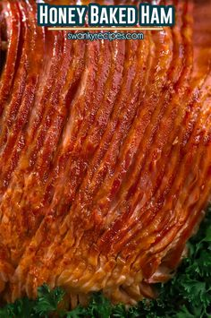 Honey Baked Ham Recipe Honey Baked Ham Recipe - Spiral cut ham with sugar crust. Easy oven-roasted ham for a family dinner with delicious flavor. Honey Baked Ham Recipe, Honeybaked Ham Glaze Recipe, Baked Ham Oven, Honey Glazed Ham, Honey Roast Ham, Honey Ham, Slow Cooker Ham Recipes, Pork Recipes, Cooking Recipes