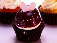 WS0704H_dark-magic-cupcakes-recipe_s4x3.jpg.rend.snigalleryslide.jpeg