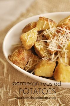 Parmesan Roasted Potatoes....soooo good!! Your Hombased Mom via www.oneshetwoshe.com #recipes #sides