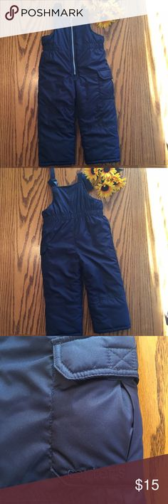 Carter's navy Snowpants. 3t Excellent condition Carter's navy Snow pants. 3T. Carter's Bottoms