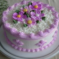 Pão de Ló de Chocolate Simples | Saúde Vida Total Cake Icing Tips, Buttercream Cake, Fondant Cakes, Cupcake Cakes, Cupcakes, Pretty Cakes, Beautiful Cakes, Amazing Cakes, Cake Decorating Techniques