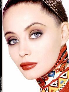 Picture of Emmanuelle Béart Divas, Beauty Book, My Beauty, Beauty Tips, Emmanuelle Béart, Star Francaise, Beautiful People, Beautiful Women, Beautiful Eyes