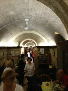 Foyer de la Madeleine in Paris, Île-de-France-Unassuming little casual restaurant in the basement of the Madeleine church; good, cheap lunch from 12-2pm in an otherwise expensive neighborhood.