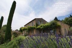 VILLA CEZANNE (Gordes) - Gezellige vakantievilla met privé zwembad gelegen vlakbij Gordes. Deze villa is comfortabel ingericht en biedt een prachtig zicht op de vallei van de Luberon. Met zijn 4 slaapkamers en 3 badkamers is deze villa geschikt voor 8 personen.