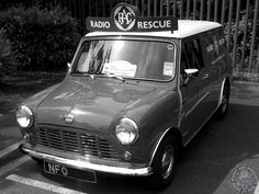 Mornin Miniacs Starting the week is this beautiful #MonochromeMonday RAC Mini Van. I'd love 1 of these in the WWWMini Fleet, such a cool lil workhorse. Have a great day folks
