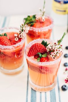 Strawberry Lemonade Spritzer | Using our delicious strawberries, I created a strawberry lemonade spritzer, perfect for a spring or summer wedding, or a bridal shower. @californiagiant