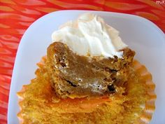 Impossible Pumpkin Pie Cupcakes~ impossible to be so good!
