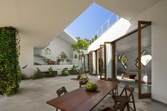Tomoe Villas: A Different Interpretation of Traditional Indian Courtyard Houses DesignRulz17 February 2015Indian architectural practice note-D has completed a luxury residential dwelling near Alibag, a town in the country's Maha... Architecture