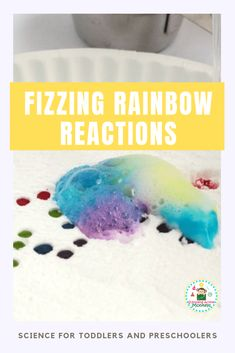 Want to know the baking soda and vinegar reaction explanation? Try the fizzing rainbow experiment perfect as toddler science and preschool science experiments! Science For Toddlers, Science Experiments For Preschoolers, Preschool Science, Toddler Preschool, Toddler Crafts, Crafts For Kids, Toddler Activities, Preschool Activities, Volcano For Kids