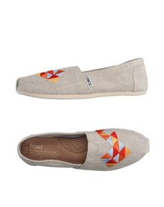 TOMS Sneakers. #toms #shoes #low-tops