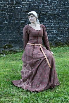 Dress based on Herjolfsnes 39 pattern. Love the fabric.