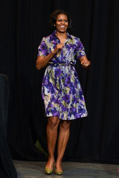 Michelle Obama wears purple Moschino!