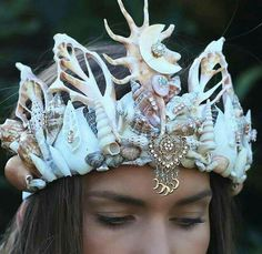 Ariel of The Little Mermaid and Daryl Hannah in Splash are two of our ultimate sources of beauty inspiration. Any product with even the slightest sea-siren Illustration Fantasy, Seashell Crown, Shell Crowns, Sea Sculpture, Mermaid Crown, Mermaid Shell, Yoruba, Real Mermaids, Mermaid Jewelry