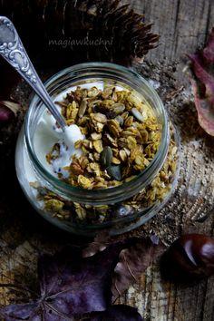 Jesienna granola dyniowa http://magiawkuchni.blox.pl/2014/10/Wafelki-ala-pumpkin-late.html