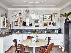 Kolme kotia - Three Homes   Kolme vaalein pinnoin ja mielenkiintoisin yksityiskohdin sisustettua kotia.     Koti Ruotsissa - A Home in Swed...