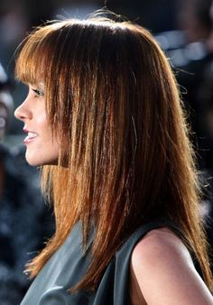 15 Straight Hairstyles For Girls: Long and Medium Celebrity Haircuts
