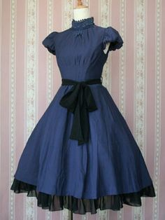 Victorian Maiden Henrietta Dress