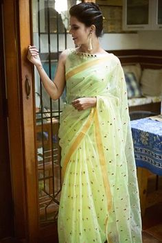 Beautiful saree and blouse collection from House of blouse. Have a glance of sarees and blouses. Pista green organza saree with floral threadwork motifs and Saree Blouse Patterns, Saree Blouse Designs, Brocade Blouse Designs, Fancy Sarees, Party Wear Sarees, Indian Dresses, Indian Outfits, Pakistani Outfits, Organza Saree