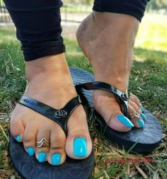 You will find best High Heels Shoes on this section. Nice Toes, Pretty Toes, Feet Soles, Women's Feet, Sexy Zehen, Blue Pedicure, Long Toenails, Cute Toe Nails, Nice Nails
