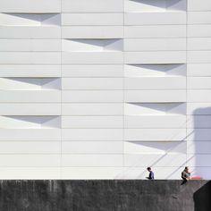 White wall black thoughts,photo © Serge Najjar.