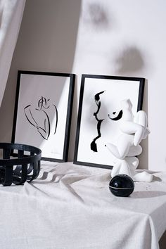 """Couple III"" is a black and white artwork by the Austrian artist Andrea  Kollar. An aesthetic painting of a loving couple – ink on paper. Prints of  this beautiful drawing are limited – all signed and numbered by Andrea  Kollar. It's available in my online shop.  Ink art love 