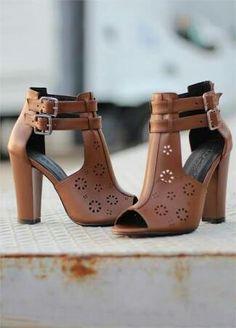 Pretty Shoes, Beautiful Shoes, Shoe Boots, Shoes Heels, Platform Espadrille Sandals, Exclusive Shoes, Stylish Sandals, Dream Shoes, Lace Up Heels