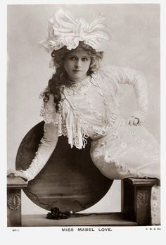 VINTAGE PHOTOGRAPHY: Miss Mabel Love