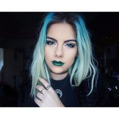 Instafamous: Meet the social media influencers redefining celebrity Dark Purple Hair, Dyed Hair Purple, Dye My Hair, Pastel Hair, Blue Hair, Bronde Balayage, Unicorn Hair Color, Coloured Hair, Hair Dye Colors