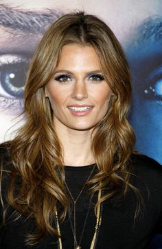 Stana Katic How will she wear her HAIR rhis year, Not since Aniston, Mariska has that question been so important