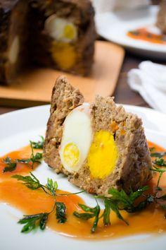 Una deliciosa receta de carne molida muy fácil de preparar en casa. Es un plato que puedes preparar un día antes y comer al día siguiente. Ideal para un día de campo o para festejar a papá.