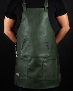 Classy high quality waterproof apron exclusive designed for bartenders. Cut from chest to mid-thigh, easy to clean and very comfortable.