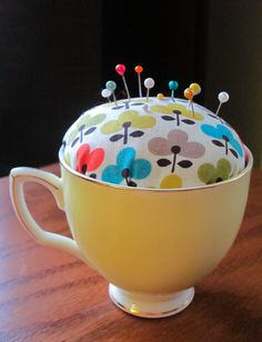 DIY: No-Sew Teacup Pincushion: Hi & Hello! Kelly here from The Spotted Fox. Check out this no-sew, teacup pincushion! Great for the crafter/seamster in your life. Check out the full project HERE. Sewing Hacks, Sewing Crafts, Diy Crafts, Sewing Kits, Sewing Patterns, Tatting Patterns, Craft Projects, Sewing Projects, Scrap Fabric Projects