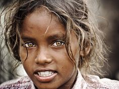 Envers du Decor - faith-in-humanity: Photo by © Sathis. Beautiful Eyes Color, Pretty Eyes, Life Is Beautiful, Beautiful People, Chennai, Photos Du, Cool Photos, Confused Face, Beauty Around The World