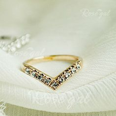 Gorgeous Style Rhinestone Inlaid Special Design Ring