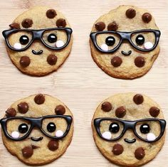 Image via We Heart It https://weheartit.com/entry/144670368 #background #Cookies #cute #funny #glasses #sweet