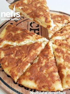 15 Dakikada Tava Böreği Nefis Lezzet Tarifi nasıl yapılır? 7.610 kişinin defterindeki bu tarifin resimli anlatımı ve deneyenlerin fotoğrafları burada. Yazar: Nurhayat'ın Mutfağı Middle Eastern Recipes, Food And Drink, Pizza, Cheese, Cooking, Breakfast, Kitchens, Turkish Recipes, Food And Drinks