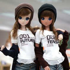 Ebony & Ivory Smart Dolls. Faceup is the same. Only difference for now is skin color but may change eye color for final product. Due out September-ish ^^