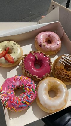 Cute Food, Yummy Food, Cupcake Gift, Donut Glaze, Picnic Foods, Dessert Recipes, Desserts, Aesthetic Food, Confectionery